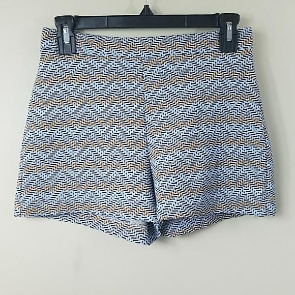 Zara Pants - Zara Trafaluc Zig Zag Print High Waisted Shorts